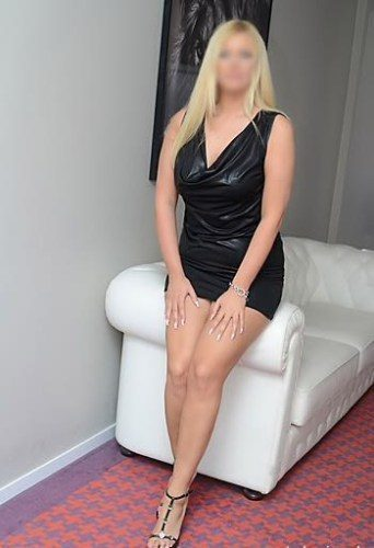 Ataköy Sarı saçlı Sexy Talia