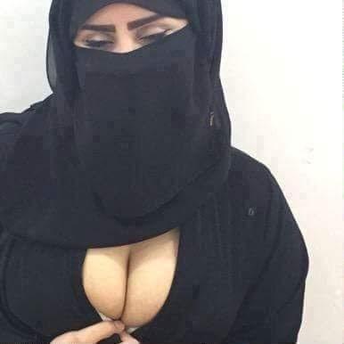Kusursuz buğday tenli kadın Rahime