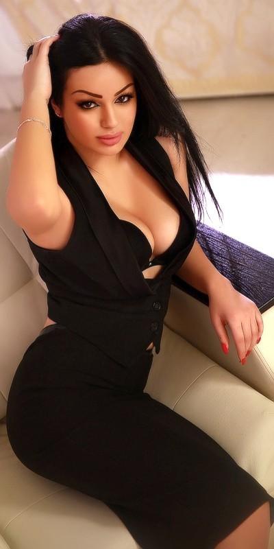 Muhteşem ön sevişme yapan escort Hazan